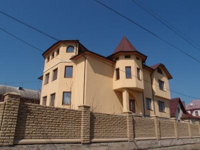 Найрозкішніші будинки побудували чернівчани й мешканці Сокирянщини та Вижниччини