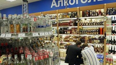 """В Черновцах предприниматели продают в магазинах  """"левый"""" алкоголь"""