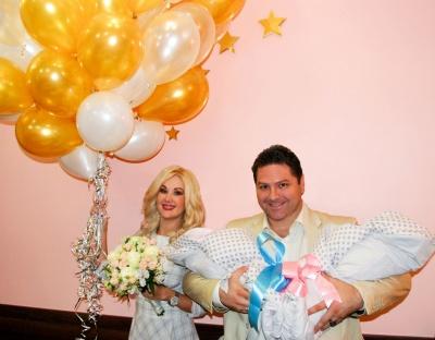 Черновчанка Бужинская назвала двойняшек в честь себя и мужа