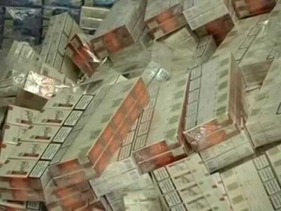 В гараже буковинца обнаружили тысячи пачек сигарет, которые должны были переправить конрабандой в Румынию