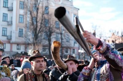 В Черновцах начался фестиваль «Маланка-фест» (ПРЯМАЯ ТРАНСЛЯЦИЯ)