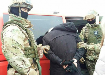 У Чернівцях поліція затримала зловмисника, який вимагав гроші у підприємця Калинки