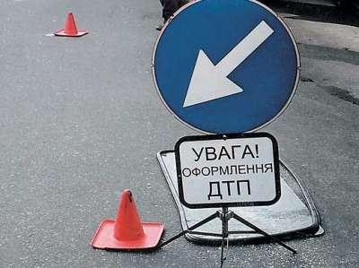 На Буковине авто снесло столб и исчезло