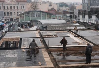 """Ринок """"Центральний"""" у Чернівцях за рік накриють і встановлять ескалатори"""