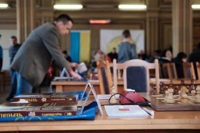 В Черновцах на турнир собрались сильнейшие юные шахматисты Украины (ФОТО)