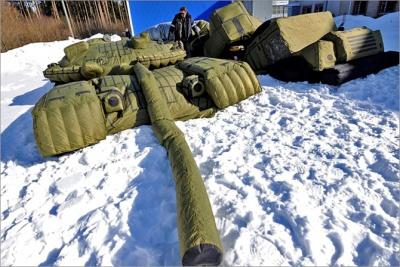Российское Минобороны вдвое увеличило заказ на надувные самолеты и танки