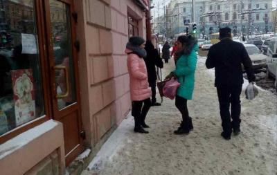 Забули поприбирати. У Чернівцях підприємці не дослухались до попереджень мерії про штрафи за неприбраний сніг