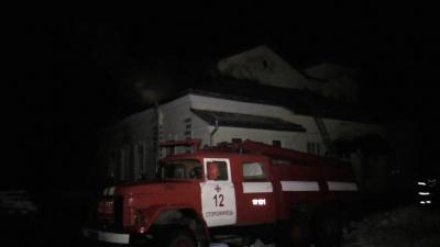 На Буковині вночі горіла школа (ВІДЕО)