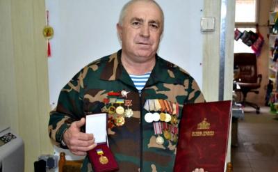 Буковинця-афганця нагородили нагрудним знаком за особливі заслуги