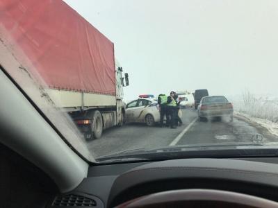 У Чернівцях авто патрульної поліції зіткнулося з «фурою»