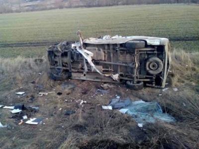 Авария на объездной Черновцов - микроавтобус перевернулся и загорелся