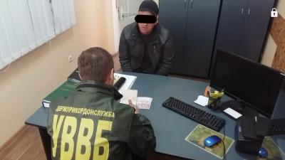 На Буковині затримали громадянина Румунії, який хотів дати хабар прикордонникам