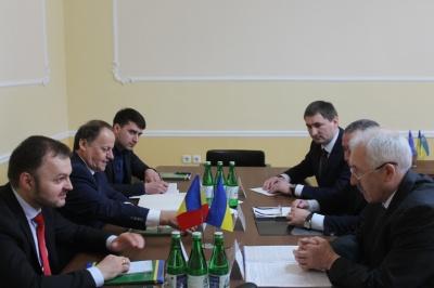 Молдова просить Буковину сприяння у роботі кар'єру