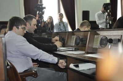 Депутати міськради Чернівців попрацювали дві години і взяли перерву до 13 березня