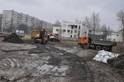 На новому стадіоні у Чернівцях зможуть тренуватися і діти, і дорослі (ФОТО)