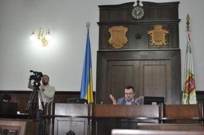 На сесію міськради Чернівців прийшло аж семеро депутатів