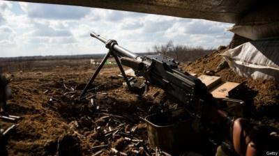 За добу в зоні АТО поранили двох військових