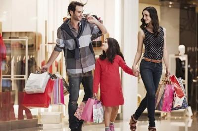Буковинцы едут в Европу на шопинг, там значительно дешевле