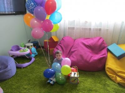 С ребенком неделю жила на скамейке, а теперь - в Центре доброты, который открился в Черновцах (ФОТО)