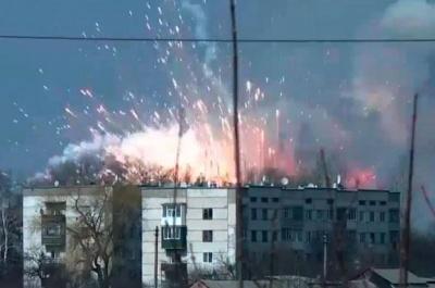 Гройсман: Пожежа на артскладах у Балаклії може тривати ще тиждень