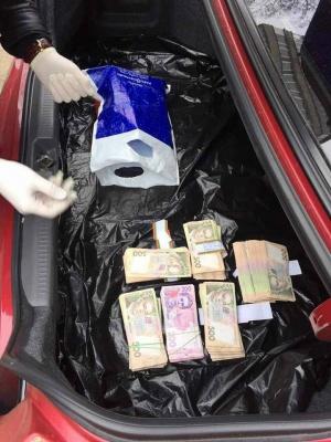 Главного ревизора ДФС поймали при получении 270 тыс. взятки