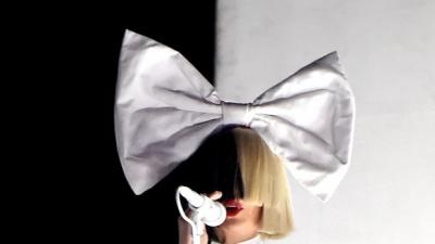 Відома співачка вперше показала себе без перуки: з'явились фото