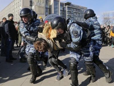 У Росії поліція встановила рекорд з кількості затриманих протестувальників