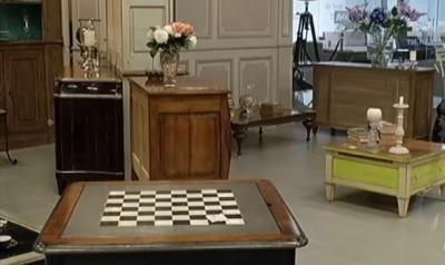 Француз у Чернівцях виготовляє меблі у стилі Людовіка XV