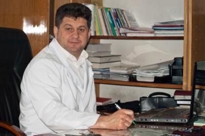У Чернівцях скандальний медик, якого звільнив з роботи мер, поновився на посаді головного лікаря стоматполіклініки