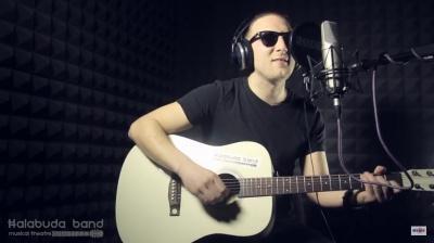 «Бери лопату, бо починають рити»: музикант із Чернівців заспівав про тунель, який хочуть збудувати депутати (ВІДЕО)