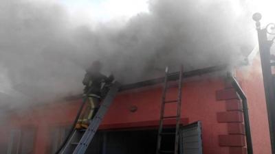 У будинку на Буковині вигоріло горище через коротке замкнення