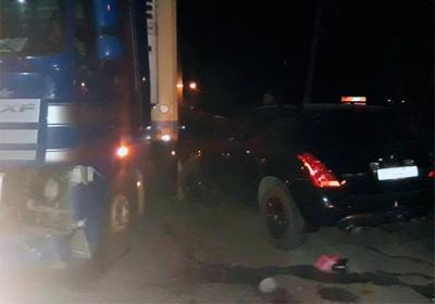 На Буковині вантажівка наїхала на двох осіб: одна з потерпілих померла у лікарні