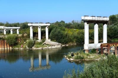 Скандальний міст на Буковині відремонтують до 2018 року, - урядовець