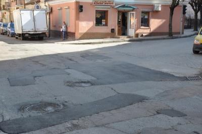 Дороги вночі у Чернівцях більше ремонтувати не будуть