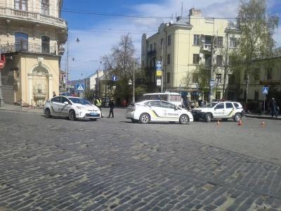 У центрі Чернівців легковик збив жінку похилого віку. Жертва ДТП у важкому стані. УТОЧНЕНО