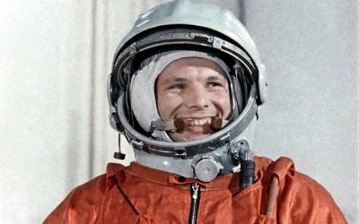 Цей день в історії: поява «суботників», перший політ у космос та відкриття Євродиснейленду