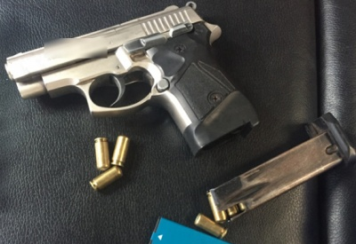 """На Буковині поліція затримала групу озброєних квартирних крадіїв-""""гастролерів"""""""
