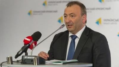 Прокуратура викликала на допит дипломата з Буковини