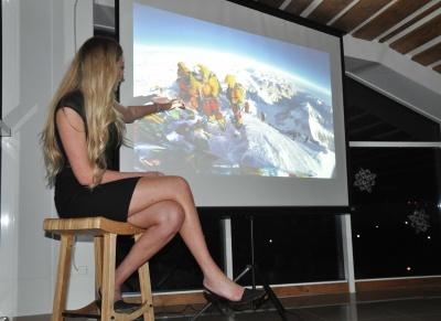 «На Евересті почала рости борода», - перша українка, яка зійшла на найвищу вершину світу