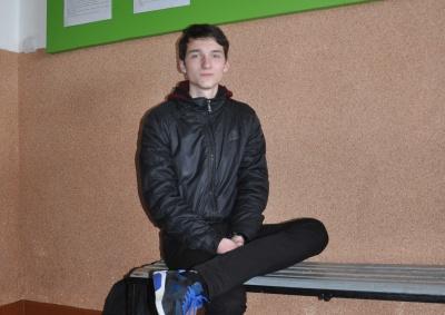 16-річний чернівчанин вдосконалив установку для дослідження наночастинок