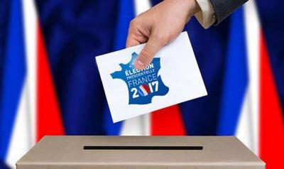 У Франції у другий тур виходять Макрон та Ле Пен