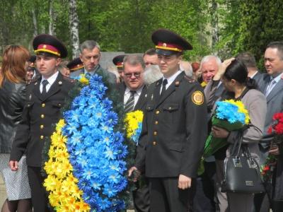 У Чернівцях кілька сотень жителів ушанували жертв Чорнобильської катастрофи (ФОТО)