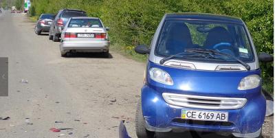 """Потрійна ДТП на Буковині: """"КІА"""" на литовських номерах протаранив дві автівки"""
