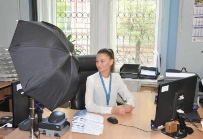Чергу за біометричними паспортами у Чернівцях займають о другій ночі
