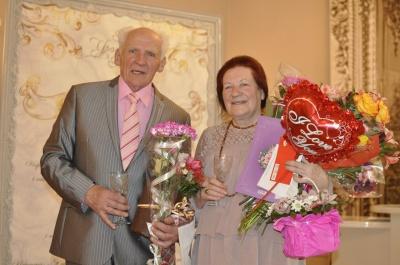 """""""Свежий борщ и никогда не болит голова"""": пара из Черновцов, которая прожила 60 лет вместе, поделилась секретами крепкого брака (ФОТО)"""