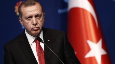 У Туреччині впродовж дня звільнили майже 4000 держслужбовців та військових