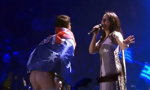 Пранкера, щозняв штани на Євробаченні, відпустили під особисте зобов'язання