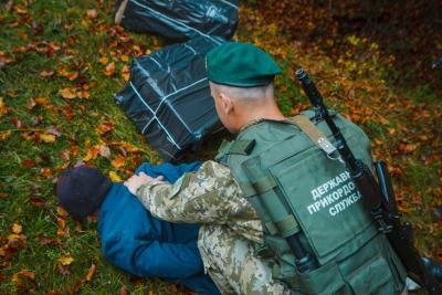 На Буковині контрабандисти заблокували виїзд з території прикордонного відділу