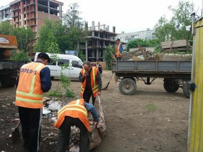 У Чернівцях інспекція благоустрою демонтувала дев'ять МАФів на території ринку