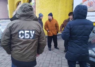 На Буковині судитимуть чиновника за хабар у 1500 доларів